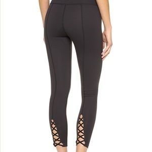 ISO beyond yoga cross back leggings